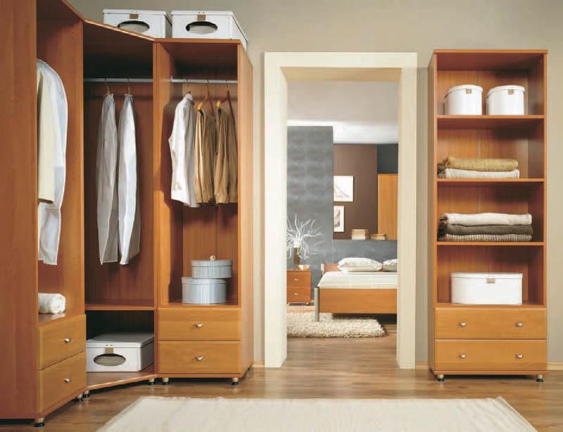 """Угловой шкаф с ящиками компания """"эй-джи мебель""""."""