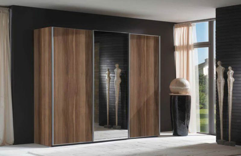 Шкафы распашные с зеркалом фото